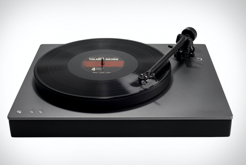 Cambridge Audio's Alva TT turntable features aptX-HD Bluetooth audio.