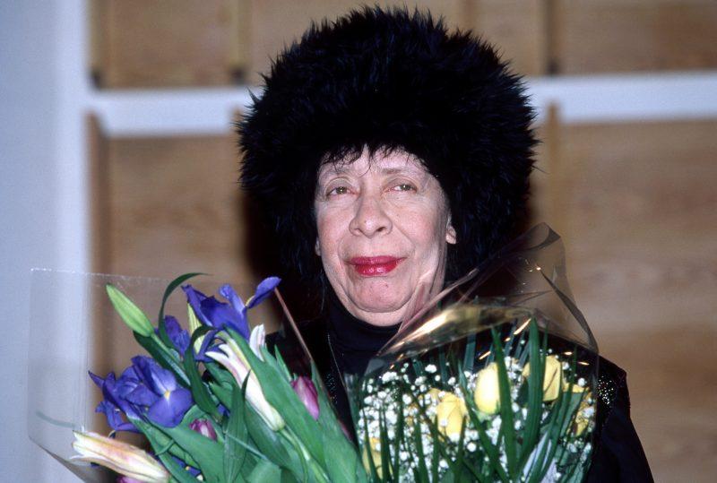 Chronology: Diva in Bloom