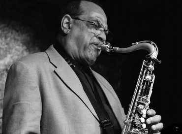 An Overdue Ovation for Ernie Watts