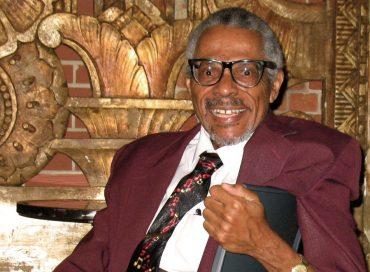 Andrew White 1942–2020