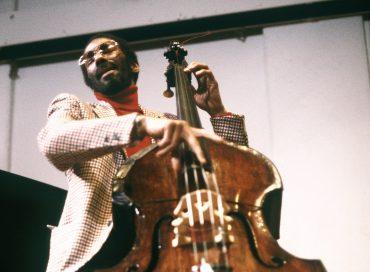 """Chronology: Ron Carter Leaves """"Stadium Jazz"""" Behind"""