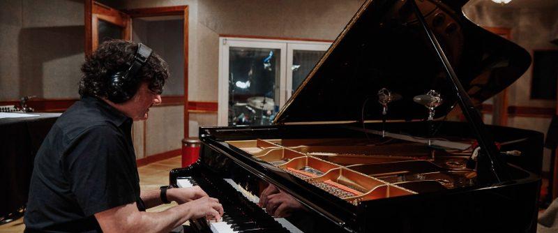Jon Cowherd (photo by Anna Yatskevich c/o Newvelle Records)