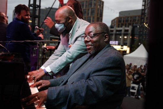 Allyn Johnson and Cyrus Chestnut performing in Billy Taylor Tribute at the DC Jazz Festival (photo by Jati Lindsay)